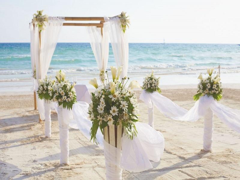 Trang trí tiệc cưới ngoài ngời phong cách sang chảnh