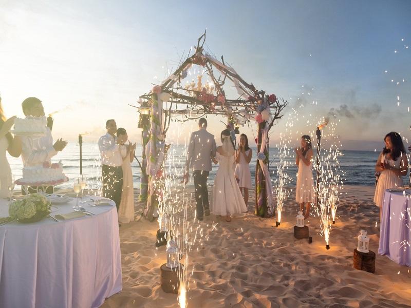 Tiệc cưới trọn gói tiết kiệm và sang trọng tại Phường Bửu Long